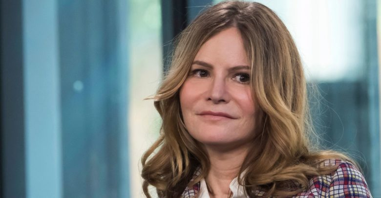 Whos Jennifer Jason Leigh Wiki Net Worthfathersisterparents